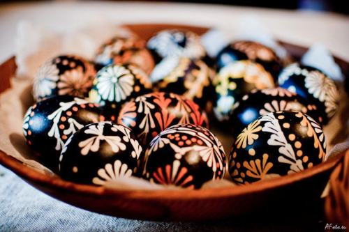 Happy Easter! ^.^ Leaving a bit of traditional Lithuanian Easter eggs here and off to sulk in my little Korean corner…