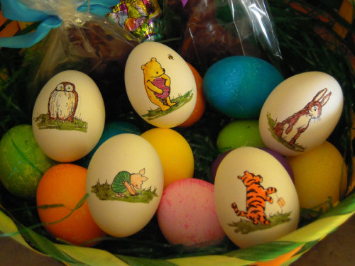 THE CUTEST EVER!  Happy Easter everyone! disneyfoodtravel:  Winnie The Pooh Easter Eggs