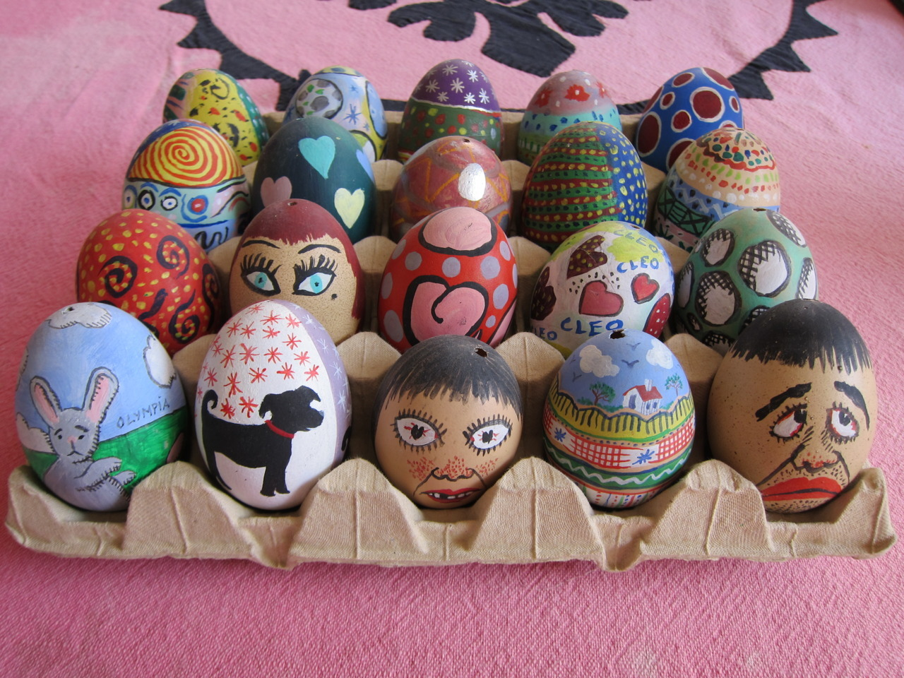 Eggs painted by the Le-Tans.