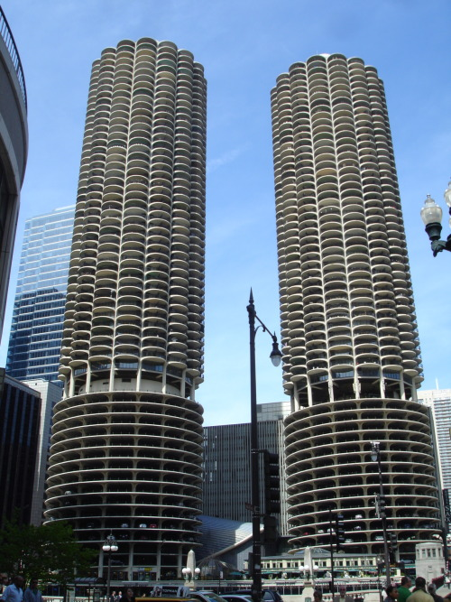 marina city, bertrand goldberg, river north, 1964.
