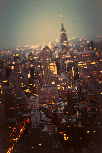ruineshumaines:  Twilight, II. (by BeboFlickr)