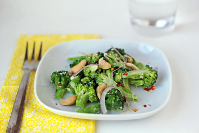 prettybalanced:  Tahini Broccoli Salad with Cashews