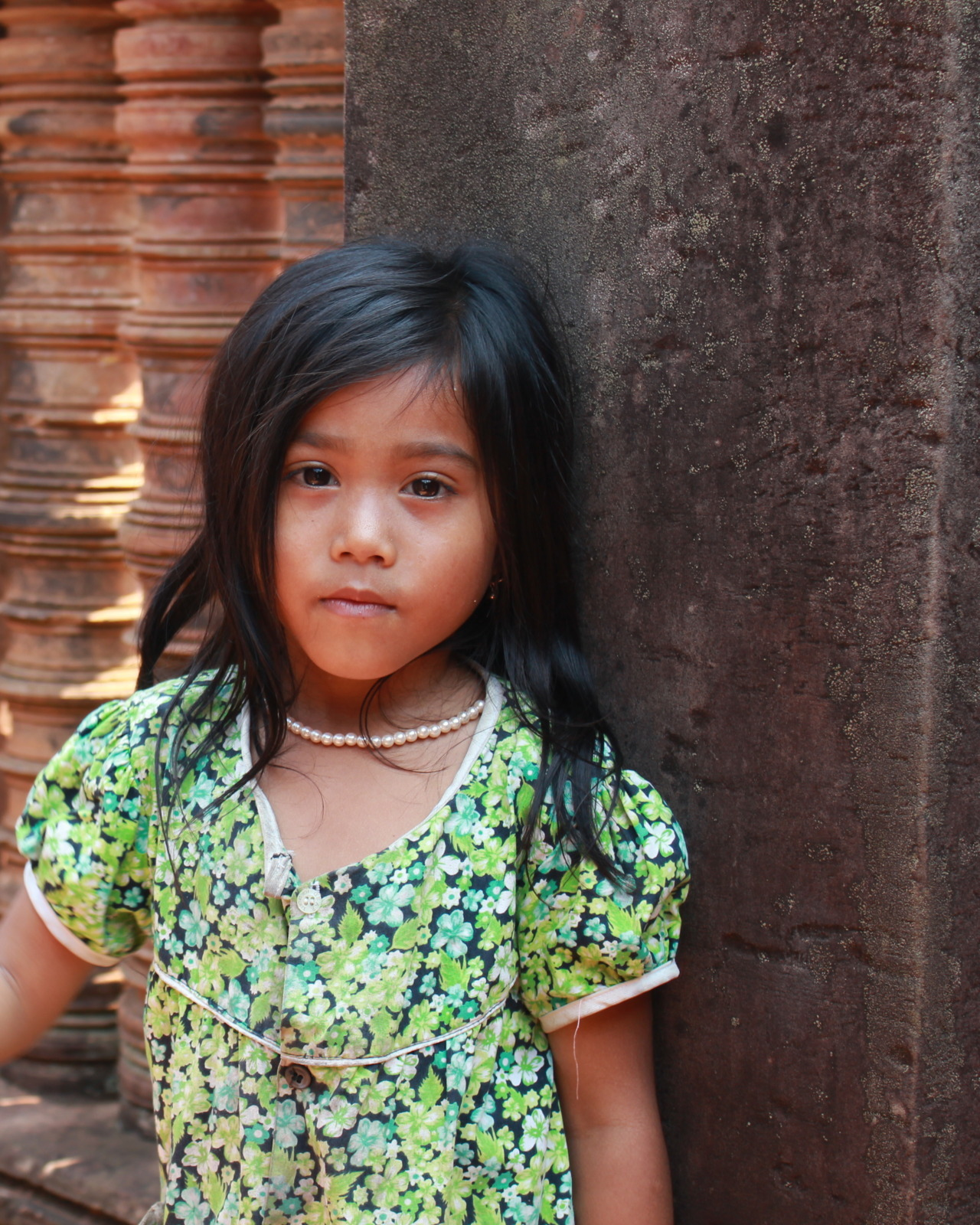 Little girl at Banteay Srei.