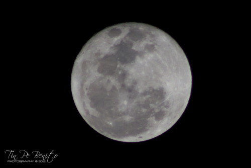 Moon. April 07, 2012. Requested by Ara Galang =) Photographed by:http://tinpebenito.tumblr.com/https://twitter.com/tinpebenito