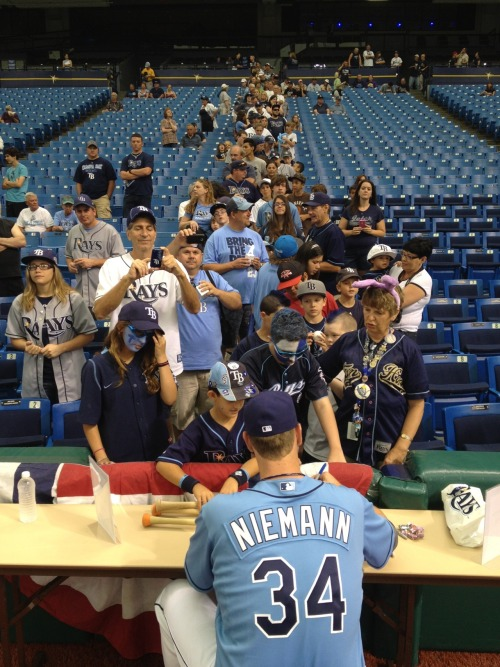 Jeff Niemann's autograph line is nearly as tall as he is.