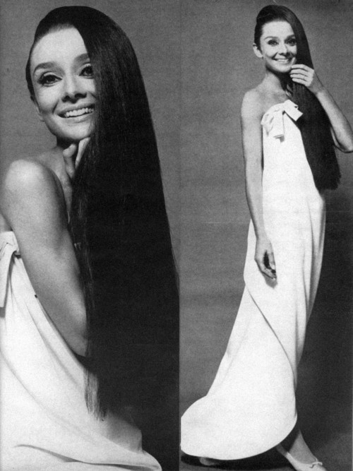 audreyandmarilyn:  Audrey Hepburn photographed by William Klein, 1966.