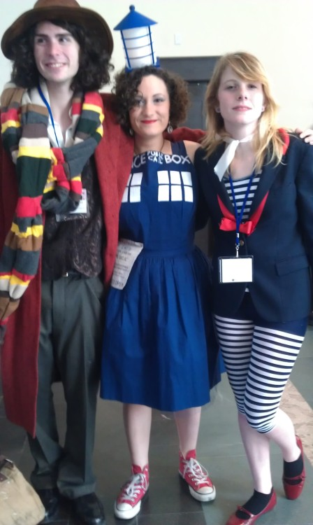 A less blurry photo of me with the Fourth Doctor and Romana II cosplayers at Anime Boston 2012.