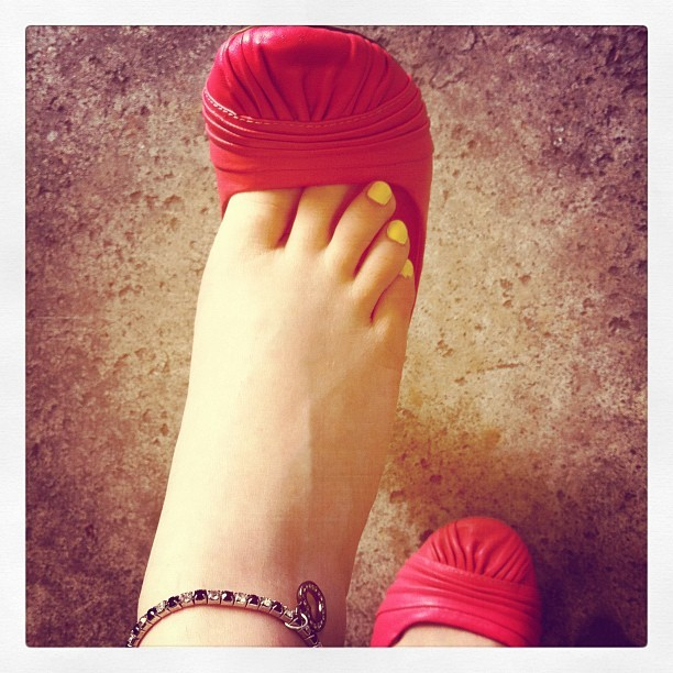 feetplease:  Flats are so irresistibly cute. Even more-so when dangled! myfeetblog:  Dangling my nice pink flats, courtesy of my friend Matt. 💗 Thank you!! 💗 #feet #toes #footfetish #flats (Taken with instagram)
