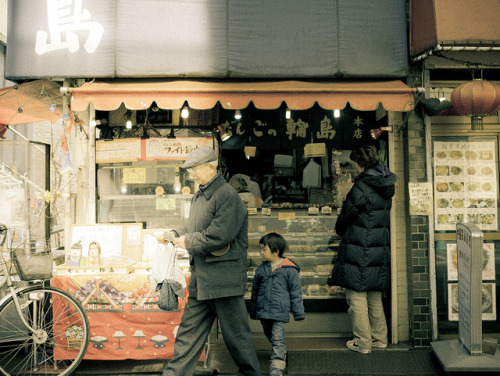 Dango shop by tantake on Flickr.