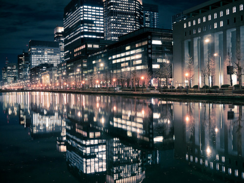Reflection of Tokyo by tantake on Flickr.