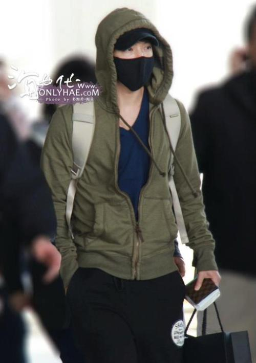 Donghae at Incheon Airport [photo]