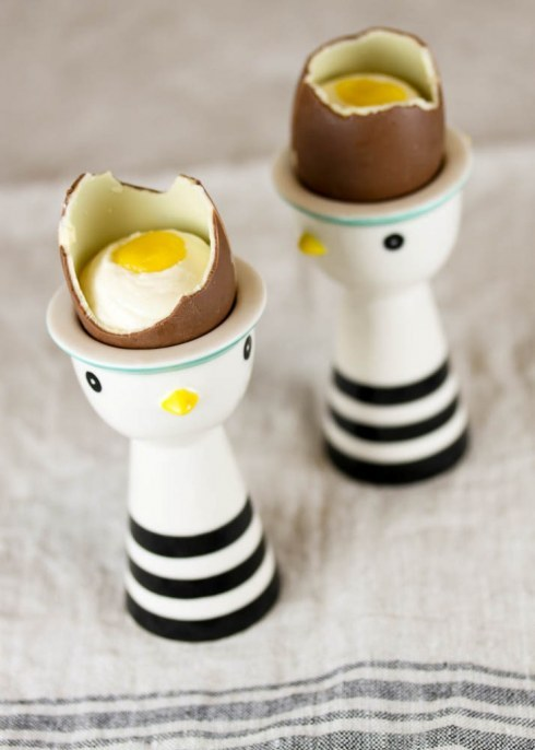 white chocolate cheesecake with lemon curd in chocolate eggs! (recipe)