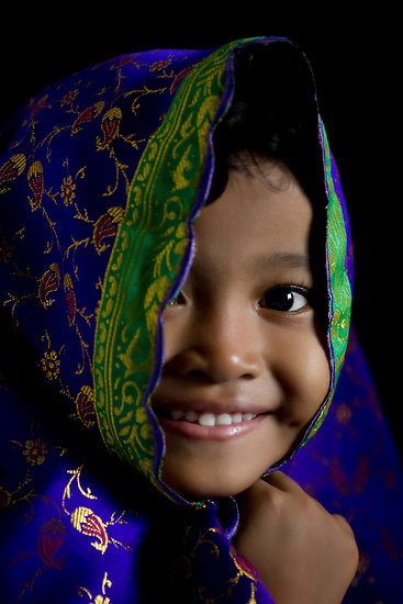 "goodmemory:  lindasinklings:  Smile by Harjono Djoyobisono A happy girl taken at the Idul Adha celebration, December 2007, using available natural light. Location: Solo, Central Java, Indonesia. (via ""Smile"" by Harjono Djoyobisono 