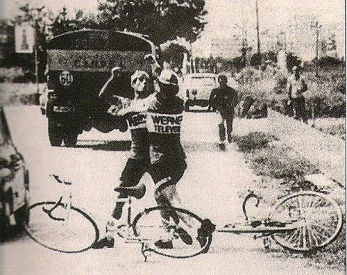 treadlyandme:  For anyone who thinks that bike racing isn't a contact sport…