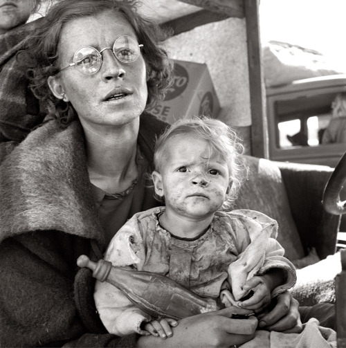 Dorothea Lange, On the road with her family one month from South Dakota, Tulelake, Siskiyou County, California, 1939
