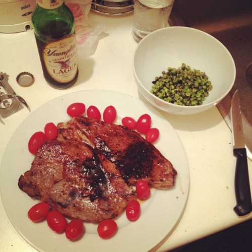 amylikestoeat:  Pan seared steak with a beer reduction. Cherry tomatoes. Minted peas.