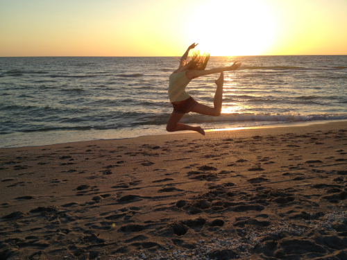 I took so many stereotypical 'jumping on the beach' pictures and I don't even care (;