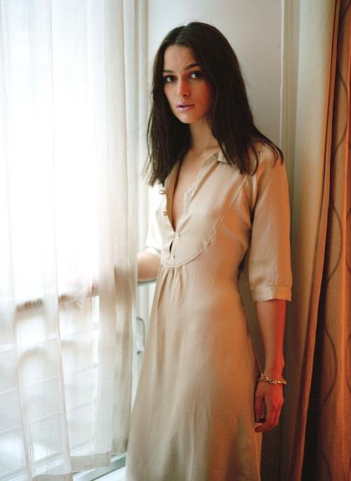 suicideblonde:  Keira Knightley in 2004  Ogodogod. Keira Knightley is on my top 10 for sure.