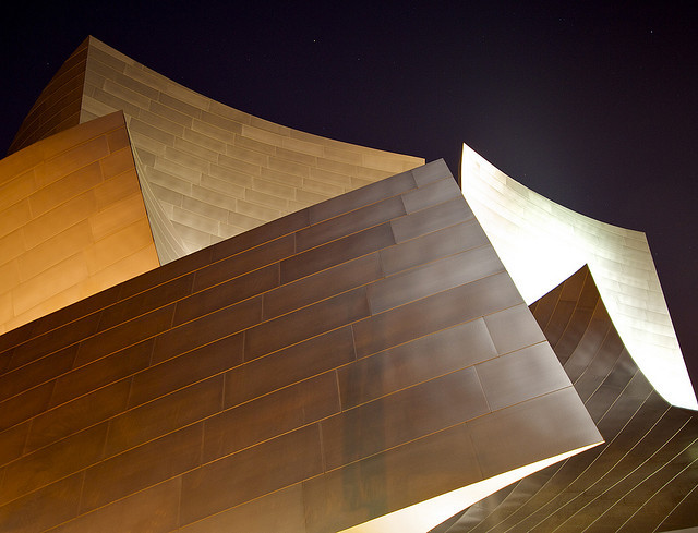 refelctWalt Disney Concert Hall. Frank Gehry. 2003. Los Angeles.