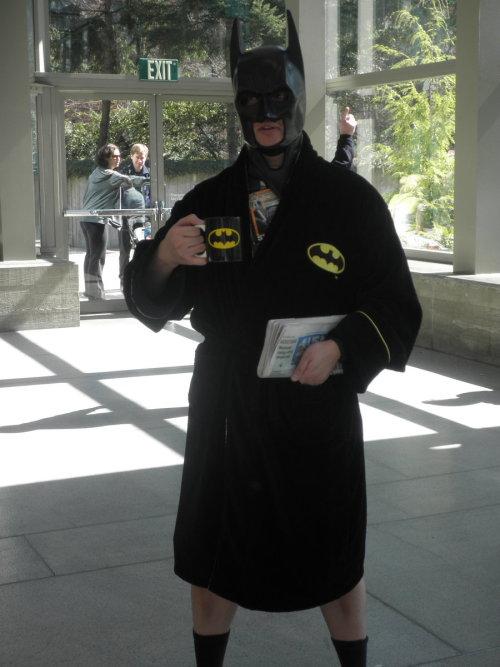 hannathenord:  Sakura Con 2012 Batman by ~Raptured-Fantasia Cosplaying, you're doing it so freaking right.