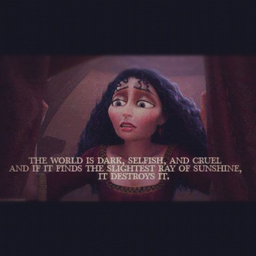 😠 #world #dark #selfish #rapunzel #tangled #mothergothel #gothel #cruel #selfish #instagram #disney  (Taken with instagram)