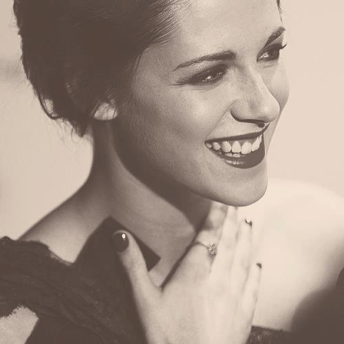 Happy 22nd Birthday,Kristen ! I'm so proud of you and i love you :)