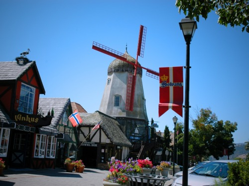 Solvang visit with @EstrellaRacasa  An Original post by @Vincepixsanity