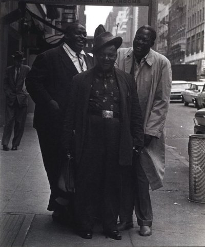 retro2go:  Wille Dixon, Big Joe Willi  & Memphis Slim  these three men made led zeppelin rich   I am so glad that someone out there knows that they need to place all their fame on these three. My Friday is now looking up.
