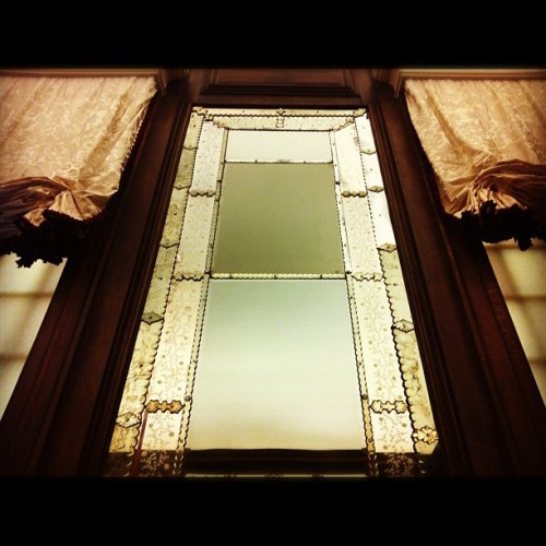 #hamptoncourtpalace #decorative #fancy #window #mirror #drapes #light #reflection  (Taken with Instagram at Hampton Court Palace)