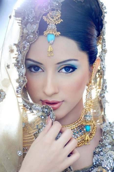 What a stunning image of a beautiful bride!