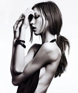 karlie kloss is one strong woman *gulp* fierce.