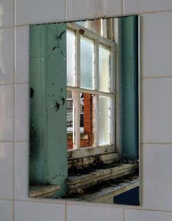 untitled on Flickr.Bathroom in the 1895 building. More old Swindon College photos > http://www.flickr.com/photos/renire/sets/72157629771762861/with/6915540558/