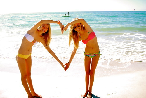 -beachbumxo FOLLOW US!we follow back
