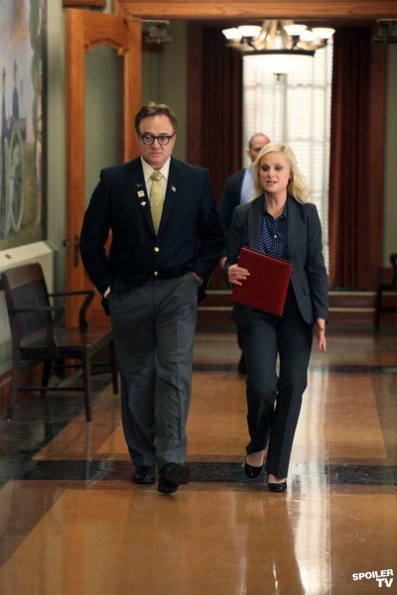 pitypie:  ongrybird:  ARE THEY DOING A WALK AND TALK West Wing/Schlamme feels asdf;alskdfjasl;dkjf  ^   Also, SAM SEABORN.  Uhh… I mean, Rob Lowe.