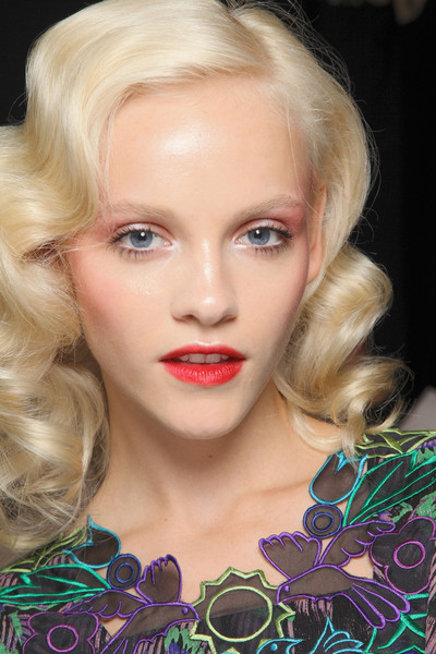 aclockworkpink:  Ginta Lapina Backstage, Anna Sui S/S 2012, New York Fashion Week
