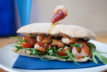 foodiebooty:  Shrimp PoBoy with recipe (link)