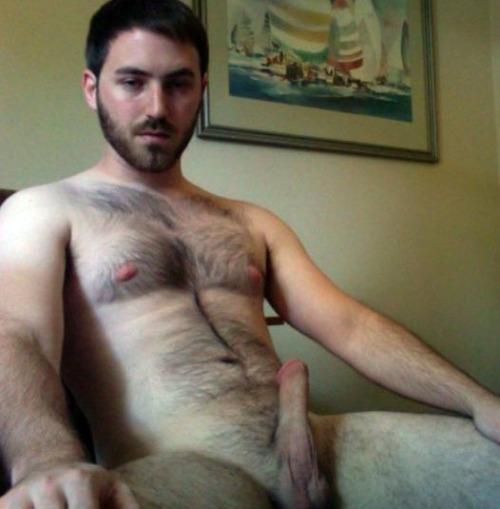 hombre peludo gordo desnudo gratis: