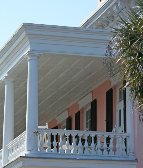 l-e-v:  Charleston Porch | flickr