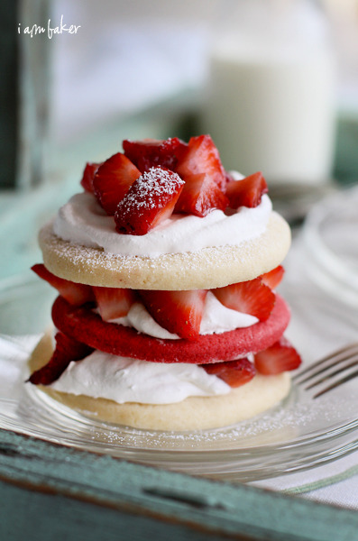 pinkrobotboogaloo:  Red Velvet Sugar Cookie Shortcake