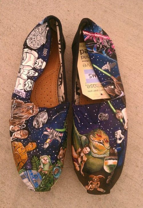 tell me that these are not the sickest toms ever! I WANT!!!!!