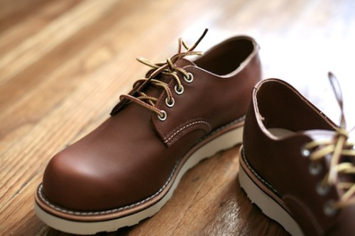 "anchordivision:  Red Wing Heritage x J.Crew - Dad Chic 4515 These are pure dad-chic. Or, if that is not working for you, how about professor-modish. This is not to say that we are not feeling these heritage oxfords, crafted by Red Wing Heritage exclusively for old J.Crew, but their boxiness and heft seem to suggest perfect pairing with short white socks, pleated chinos and a tucked-in golf shirt. ""[The shoe] was inspired by the traditional 875 and 877 styles worn by work crews, but designed for factory managers who needed a lighter, more comfortable oxford to wear in the office."" Again, given the looks, we are not surprised to hear this. Still, with the proper pair of jeans and a proper cuff, the made-in-the-U.S.A. 4514 could tiptoe out of dad-chicness and right into the working-it work wear arena. Available at jcrew."