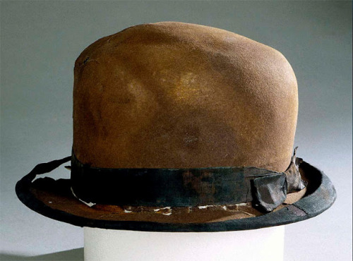 oldrags:  A hat found at the Titanic wreck site, ca 1912 100 years ago a couple minutes from now, this iceberg tore long gashes on the side (and possibly the bottom) of the Titanic.  It sank 375 miles south of Newfoundland at 1:20 AM EDT. I saw this and all the other personal items when that big traveling exhibit was in Raleigh and it was just as sad as it was spooky.  Uhhhhmmm. I wish my clothing would last a 20th of that time while not being at the bottom of the ocean.