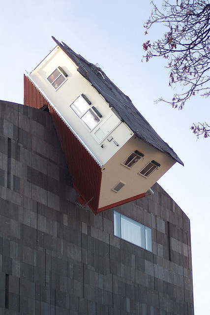 artruby:  Erwin Wurm - House Attack (2006)  Interesting.