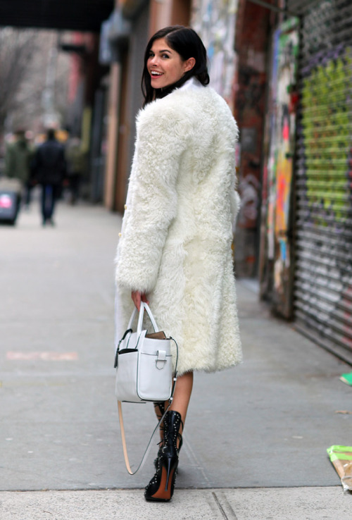 fashion-streetstyle:  Emily Weiss, Into the Gloss, NYC