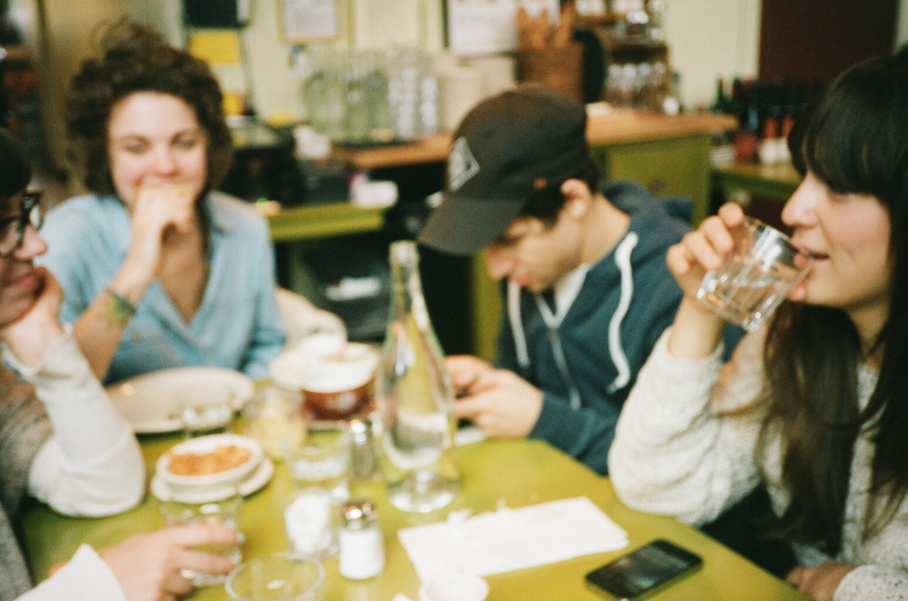 Blurry friends at Cafe Presse