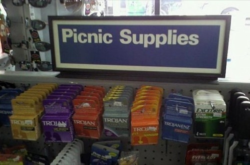marissadarling:  My kind of picnic.
