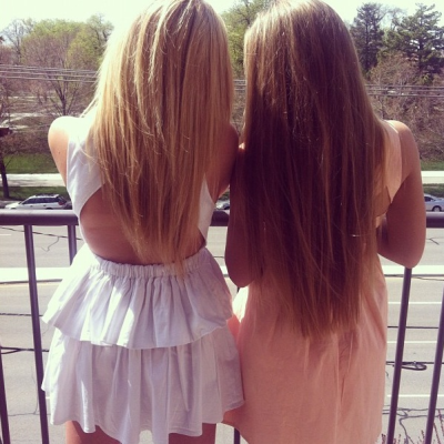 cera-h:  allisimpson:  me and my best friend, sittin' waitin' wishin'..  <3