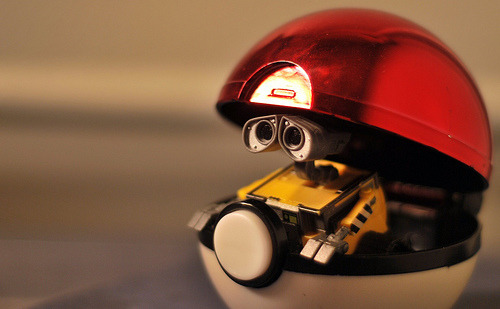 jonnwithtwons:  Wall-E, whacthyoo doin' in a Pokeball?!   Silly Wall-E, pokeballs are for Pokemon