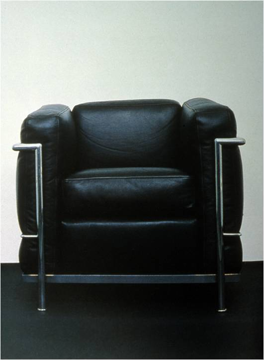 design124:  LeCorbusier & C. Perriand.  LC3 Gran Confort            1928 Arm Chair