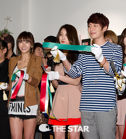 Source; The Star  BEAST @ Opening of CUBE STUDIO (120410): Doo Joon, with G.NA, 4minute Ji Hyun ^^
